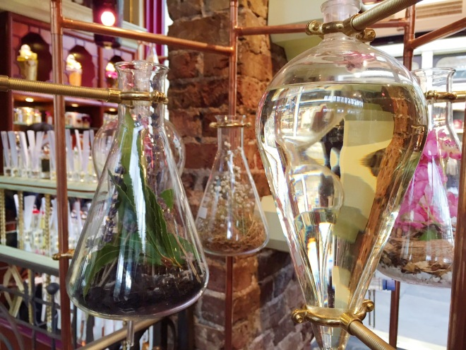Penhaligon's Covent Garden Apothecary Erlenmeyer Bluebell Violetta Perfume Style domination