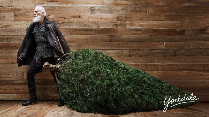 Fashion Santa GoesViral