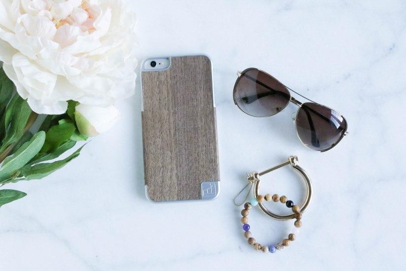The Classiest Smartphone Case Ever:LuxBoxCase
