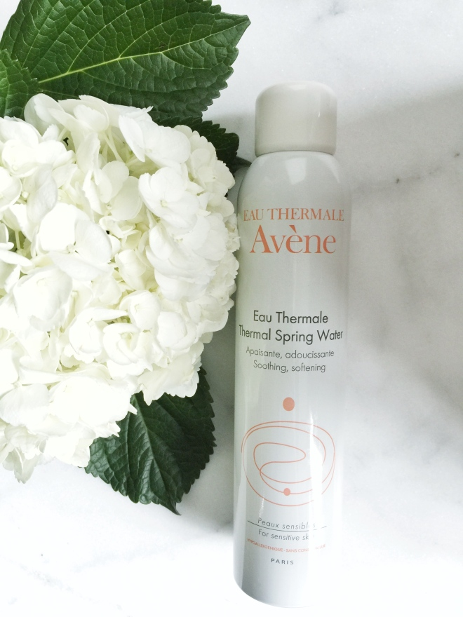 Glowing, Hydrated Skin: Avène Hydrating Mist | www.styledomination.com